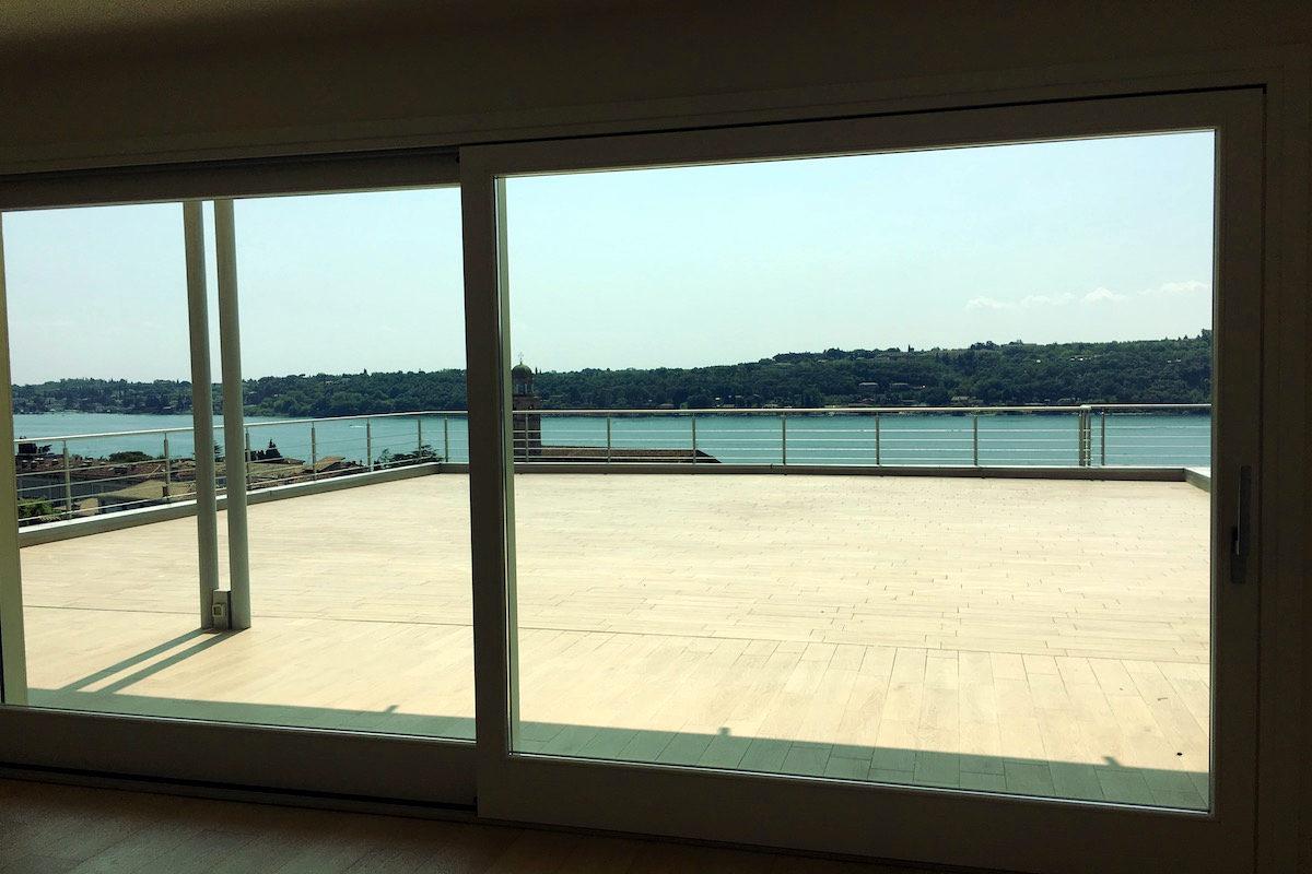 Wohnung Gardasee zum Kauf mit beheizten Infinitypool