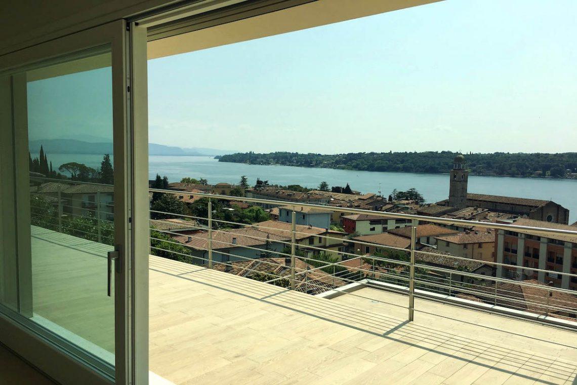Wohnung Gardasee zum Kauf mit beheizten Infinitypool 24