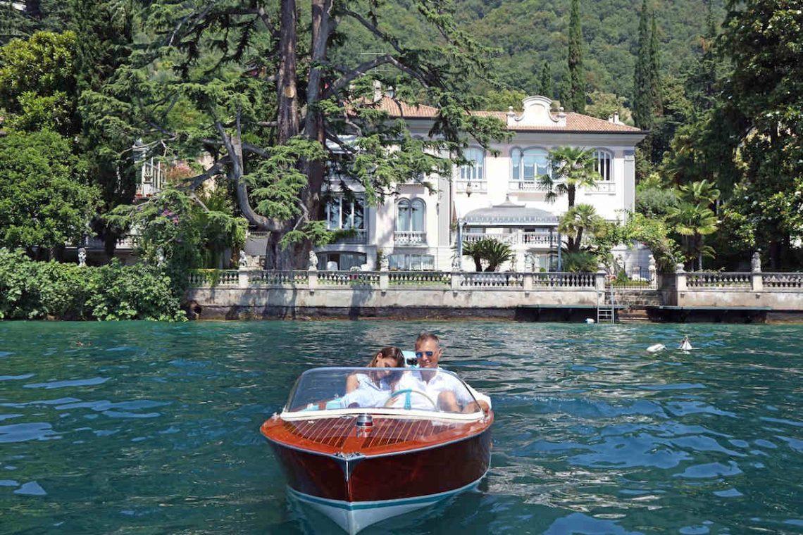 Historische Villa am Gardasee zur Miete am Seeufer 01
