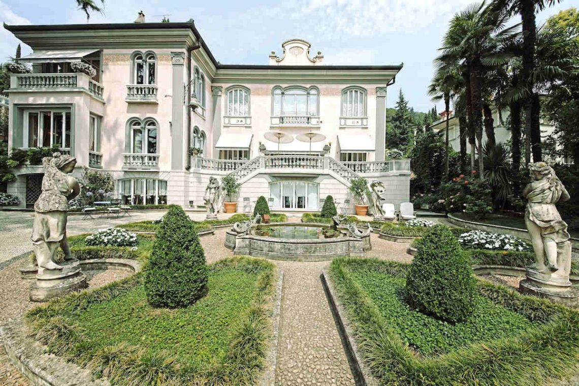 Historische Villa am Gardasee zur Miete am Seeufer 09