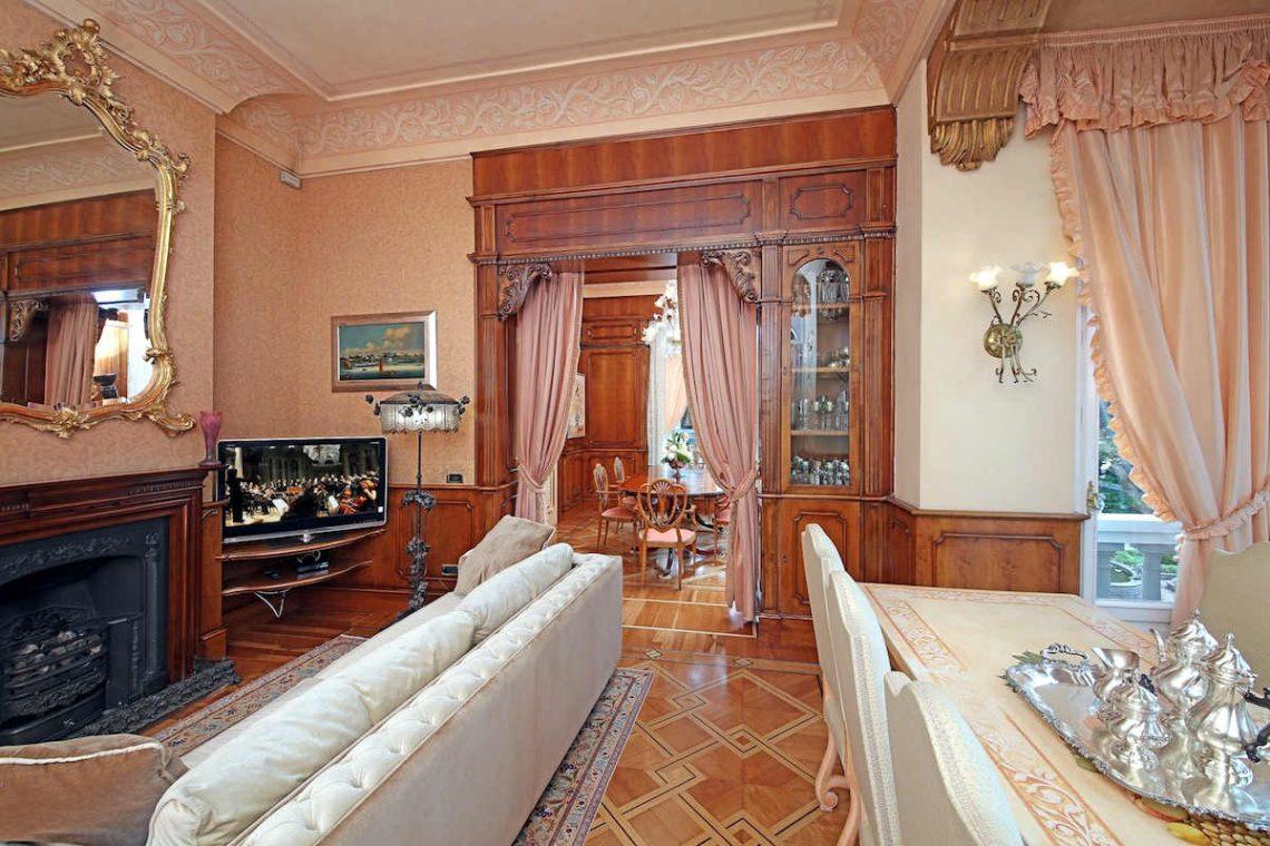 Historische Villa am Gardasee zur Miete am Seeufer 18