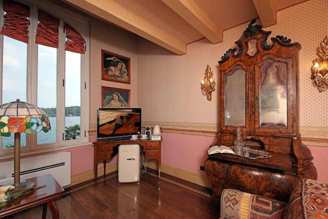 Historische Villa am Gardasee zur Miete am Seeufer 21