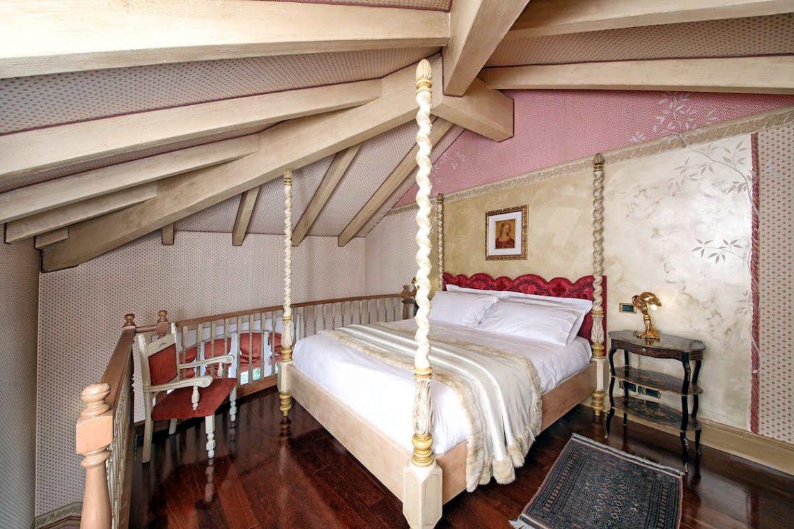 Historische Villa am Gardasee zur Miete am Seeufer 23