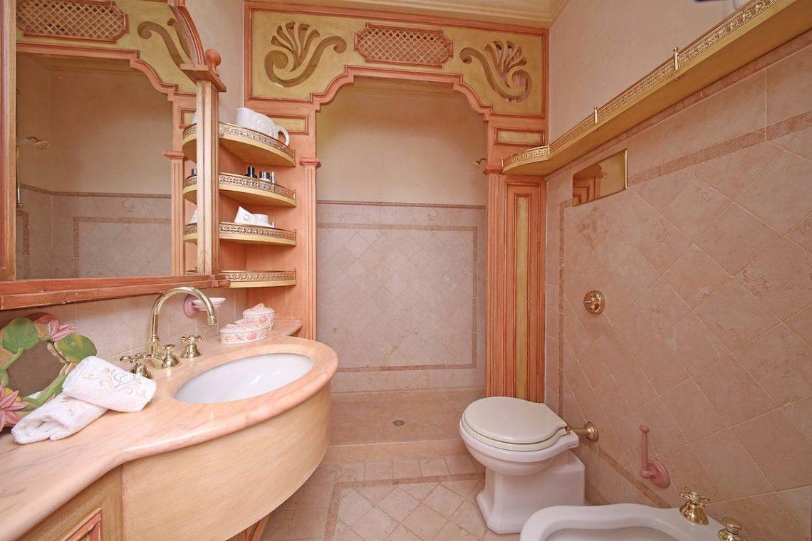 Historische Villa am Gardasee zur Miete am Seeufer 24