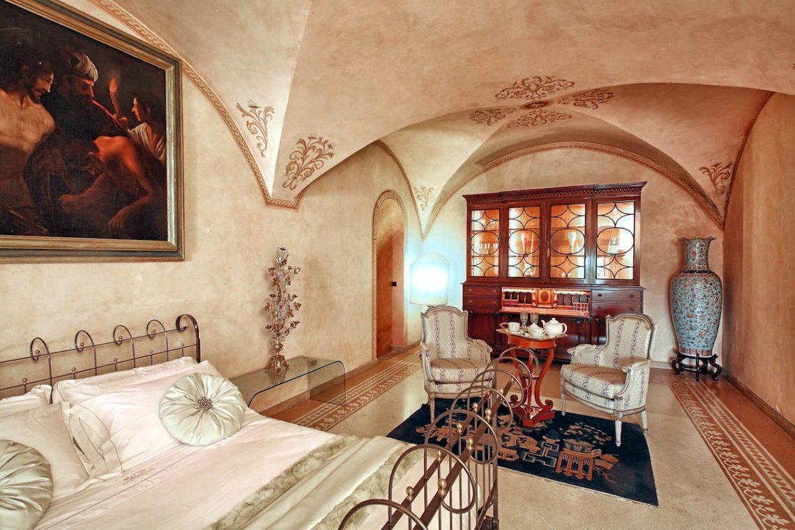 Historic Villa Lake Garda for Rent 33
