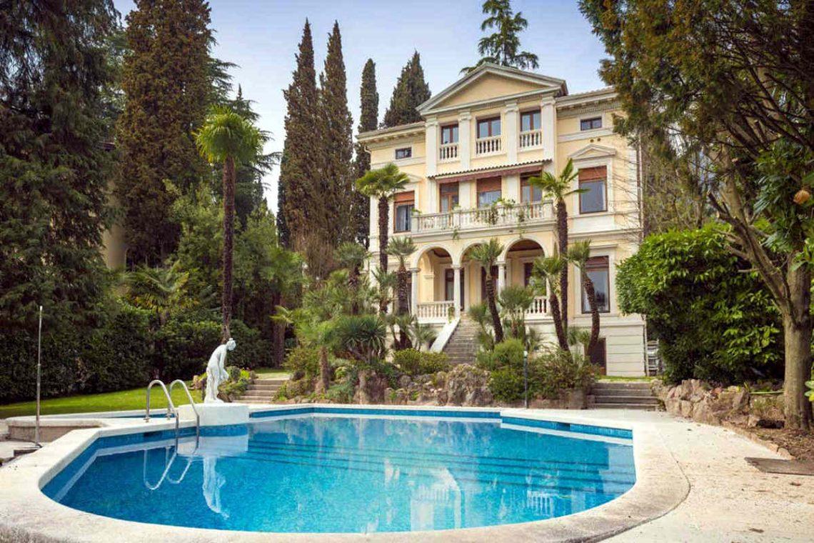 Historische Villa Gardasee zur Miete am See 02