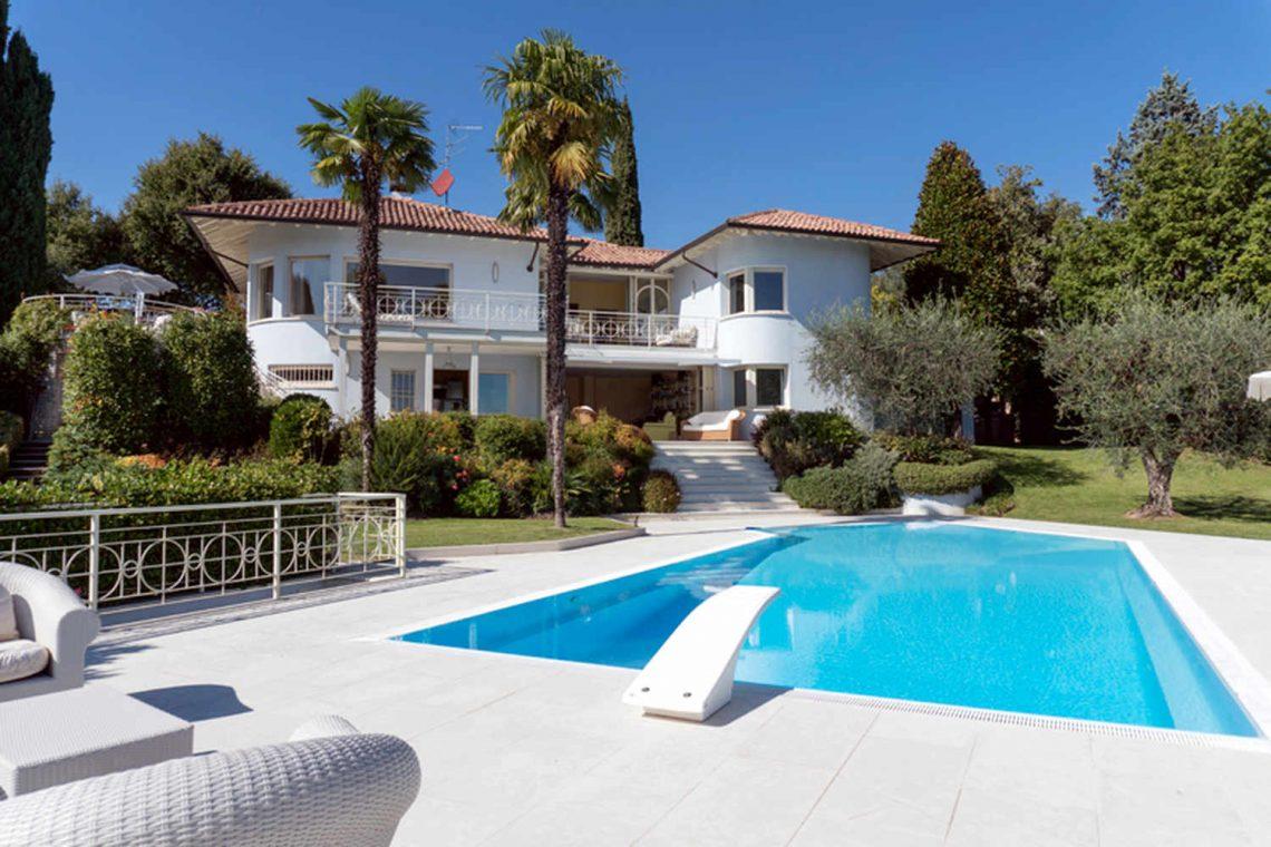 Villa Padenghe Verkauf mit Seeblick und Panoramapool 04