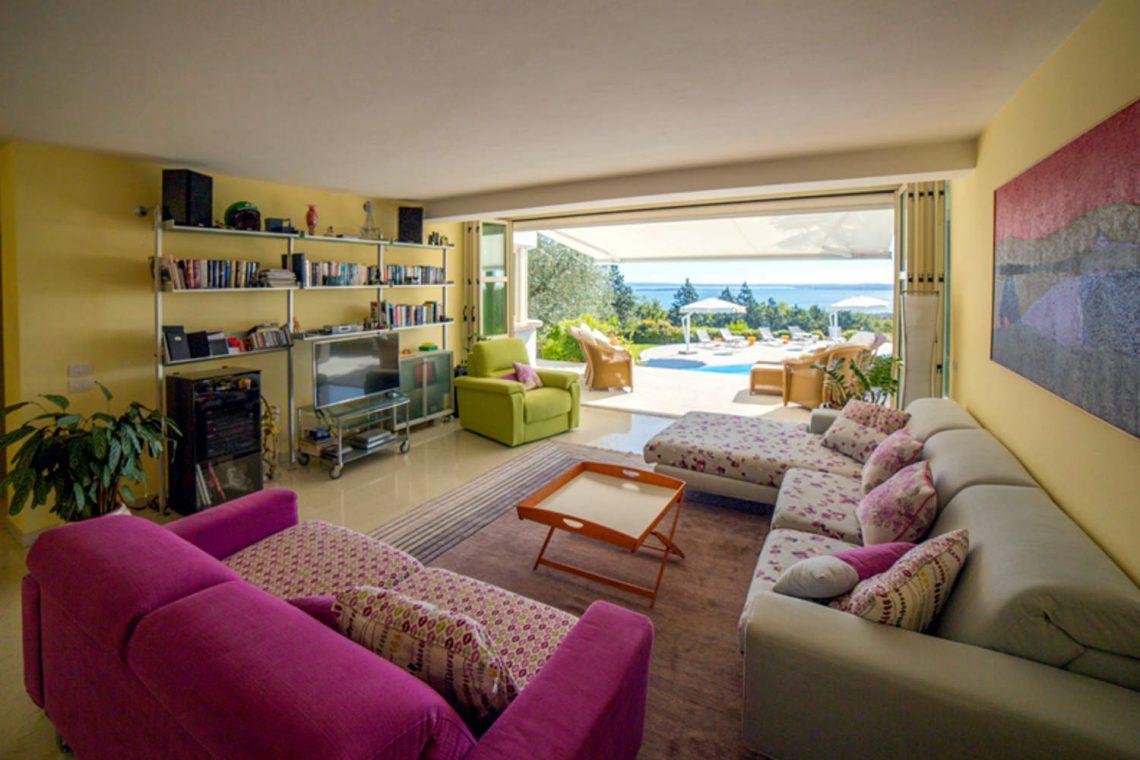 Villa Padenghe Verkauf mit Seeblick und Panoramapool 07