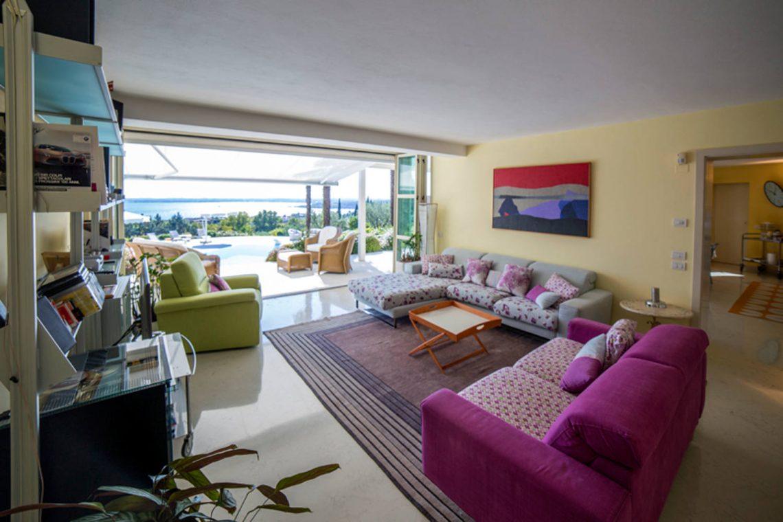 Villa Padenghe Verkauf mit Seeblick und Panoramapool 08