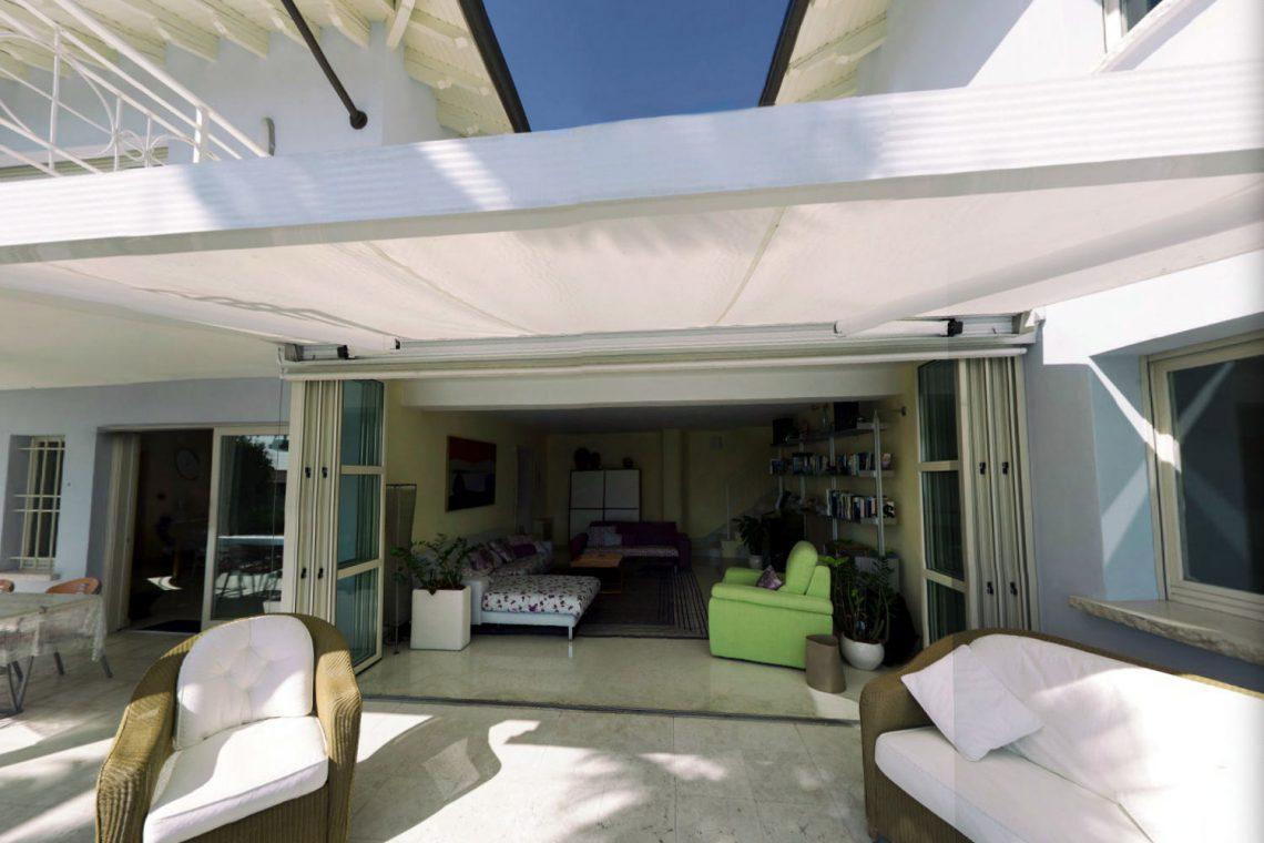 Villa Padenghe Verkauf mit Seeblick und Panoramapool 09
