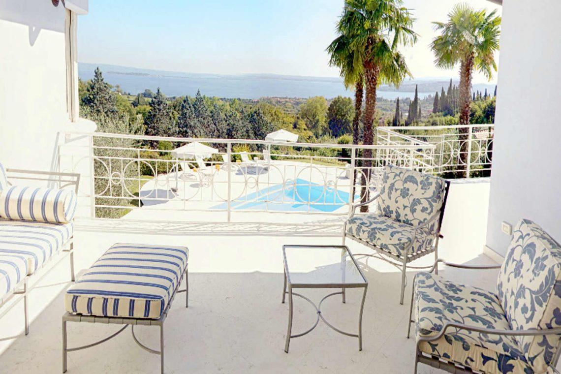 Villa Padenghe Verkauf mit Seeblick und Panoramapool 11