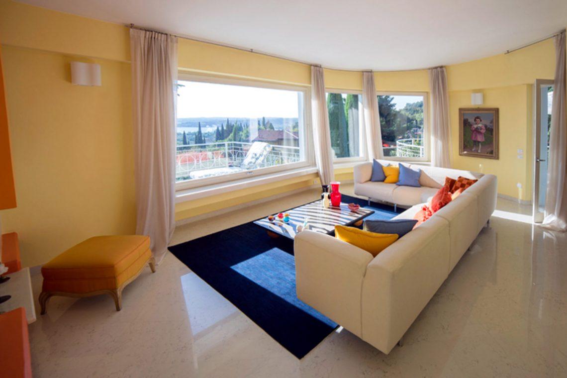Villa Padenghe Verkauf mit Seeblick und Panoramapool 16