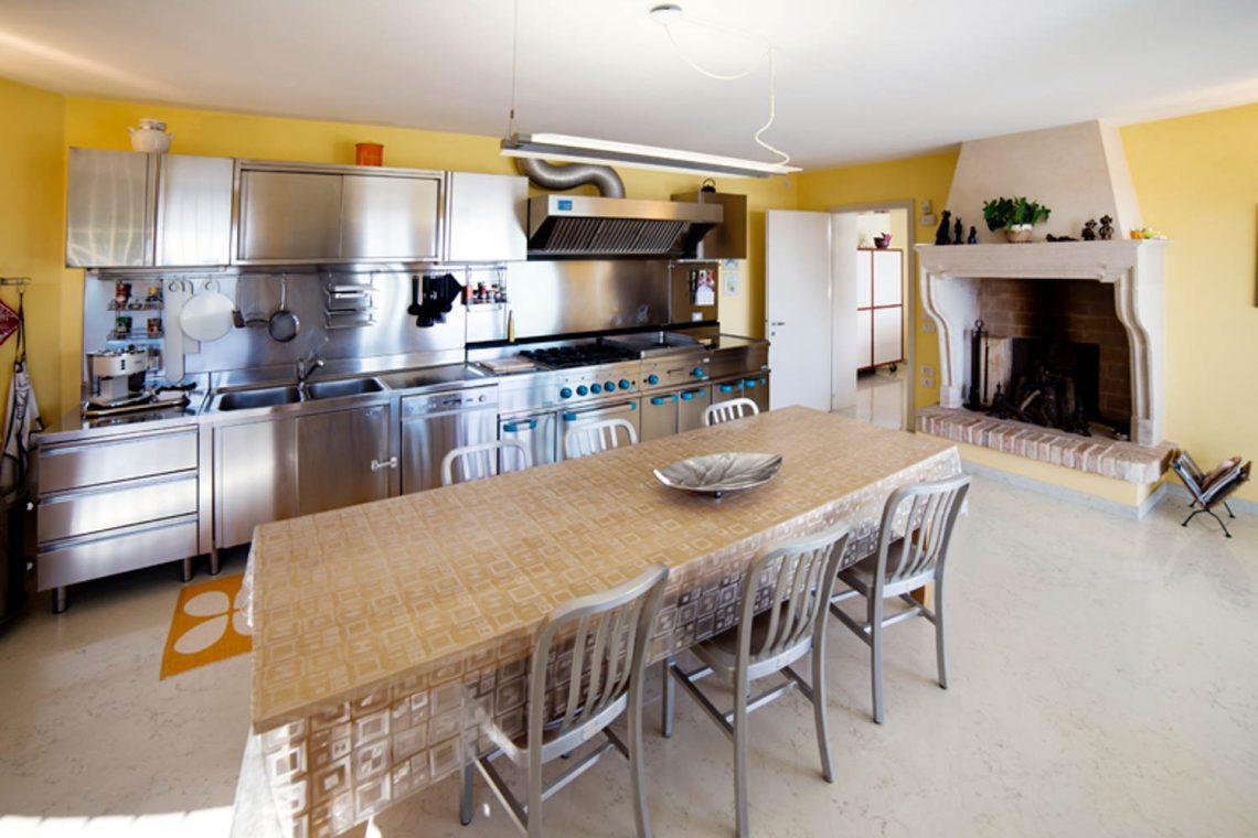 Villa Padenghe Verkauf mit Seeblick und Panoramapool 18