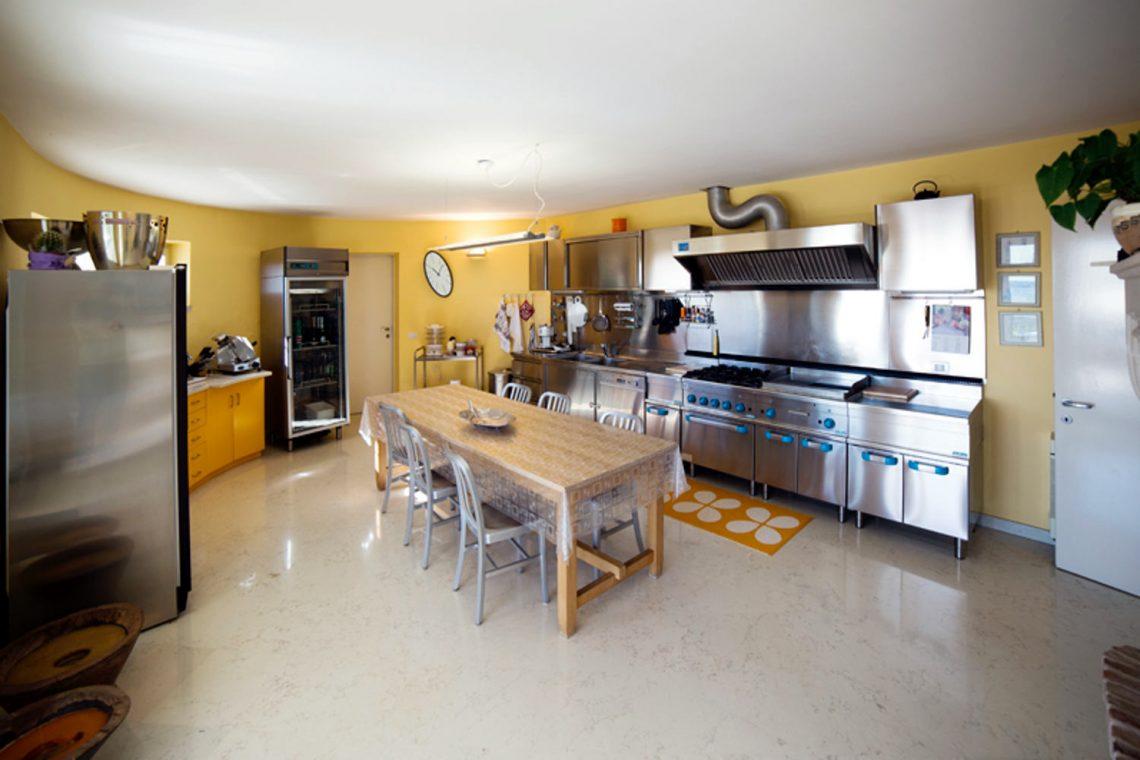 Villa Padenghe Verkauf mit Seeblick und Panoramapool 19