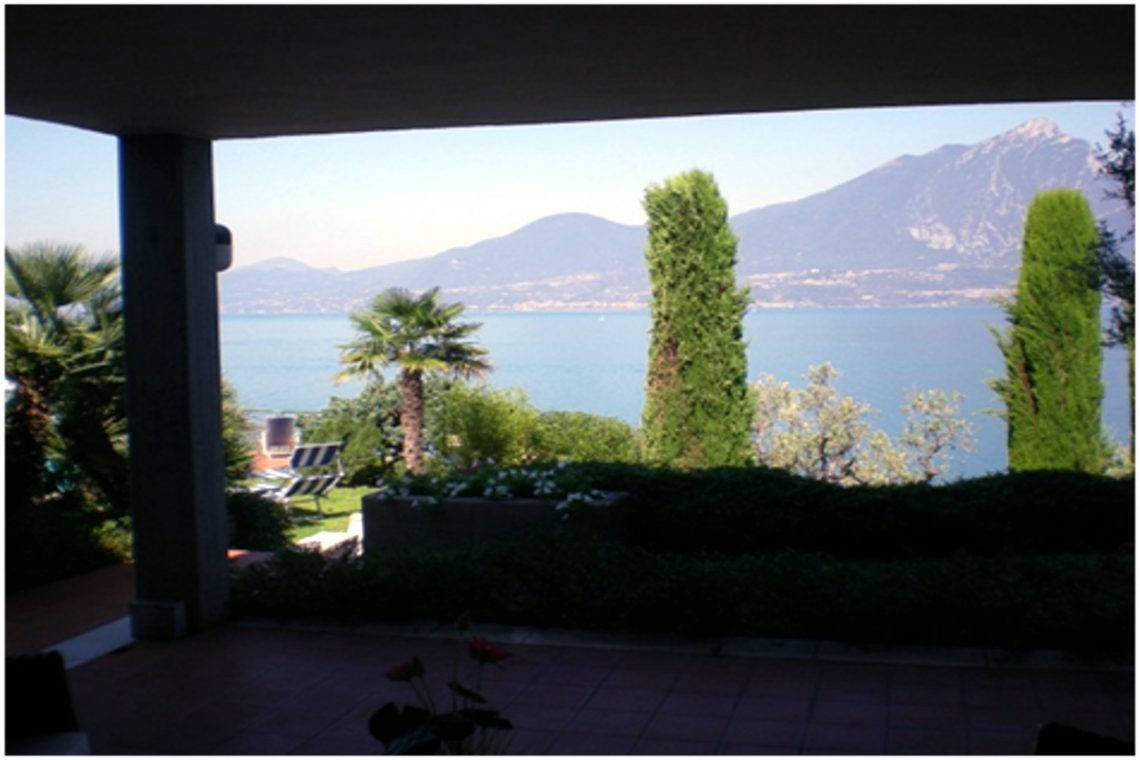 Villa Torri del Benaco mit Seeblick mit Panoramapool 04