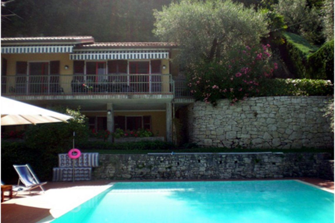 Villa Torri del Benaco mit Seeblick mit Panoramapool 07