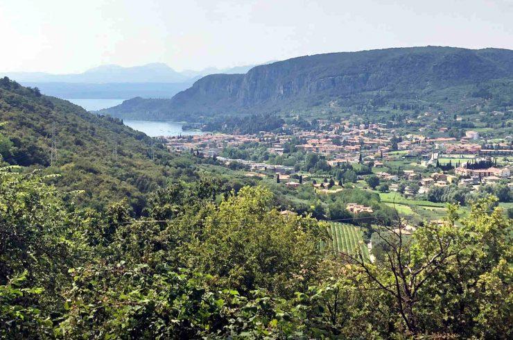 Baugrundstück Garda mit Seeblick in Panoramalage