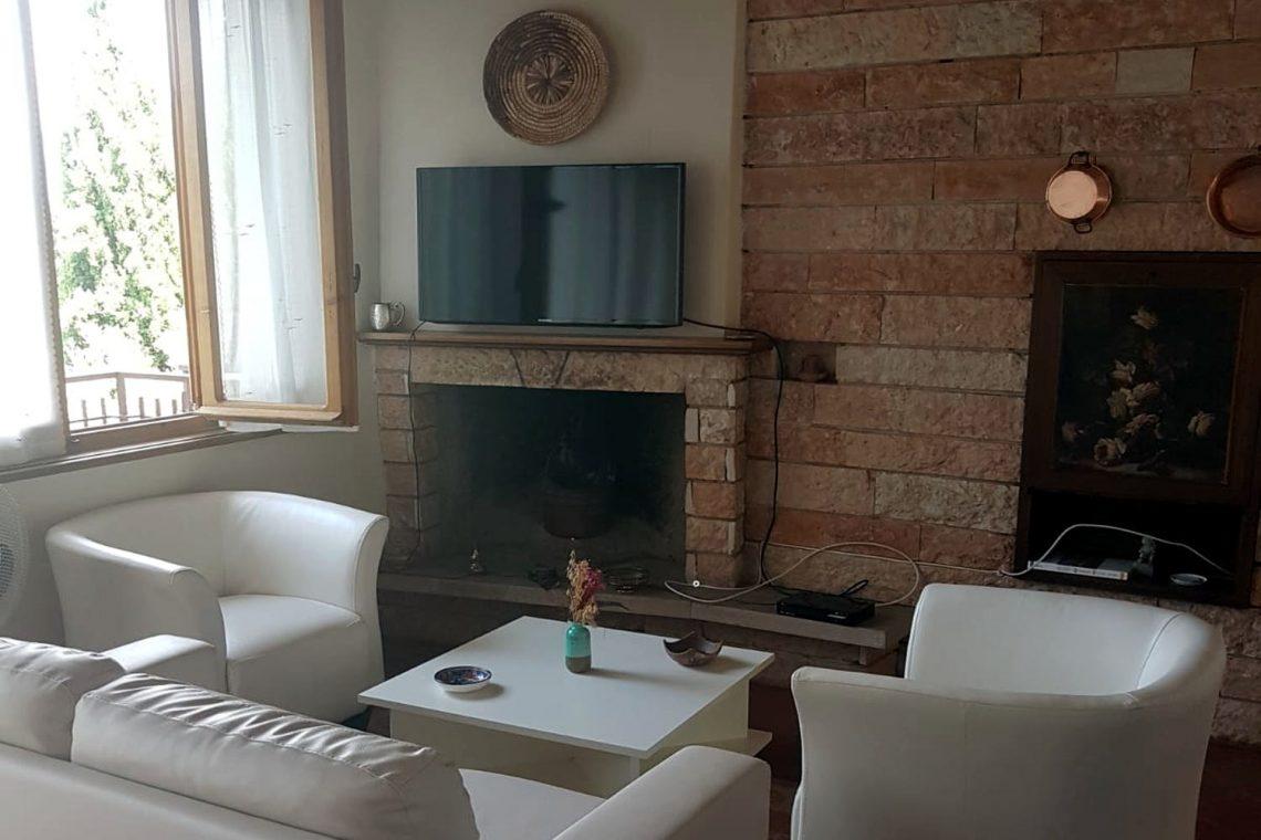 Villa in Torri del Benaco 04