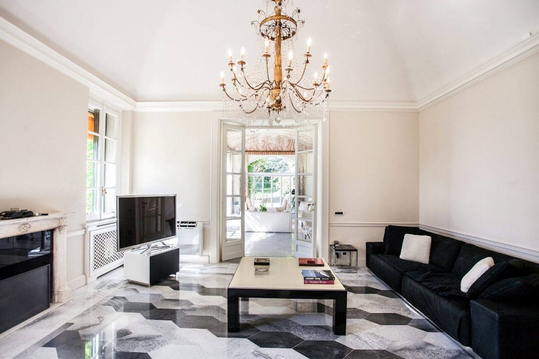 Villa am Comer See zu verkaufen mit Park von 30.000m2