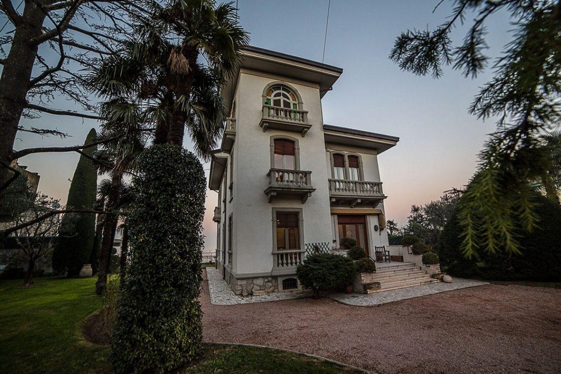 Liberty Villa in Desenzano del Garda 04