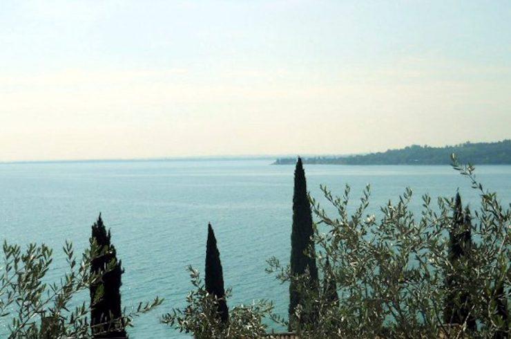 Vertraulich: Villa Padenghe zum Verkauf, nur 50m vom Gardasee