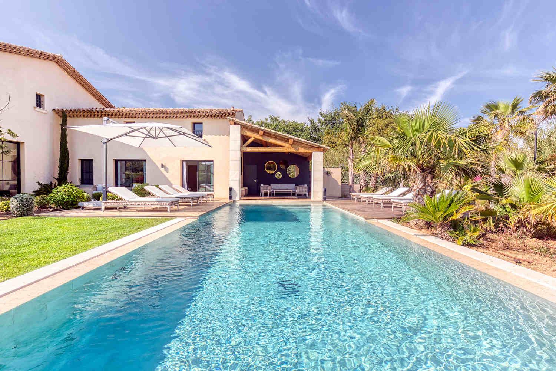 Saint Tropez Villa mieten mit tropischem Garten und Pool