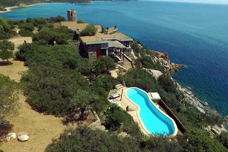 Villa Sardinien zur Miete direkt am Wasser