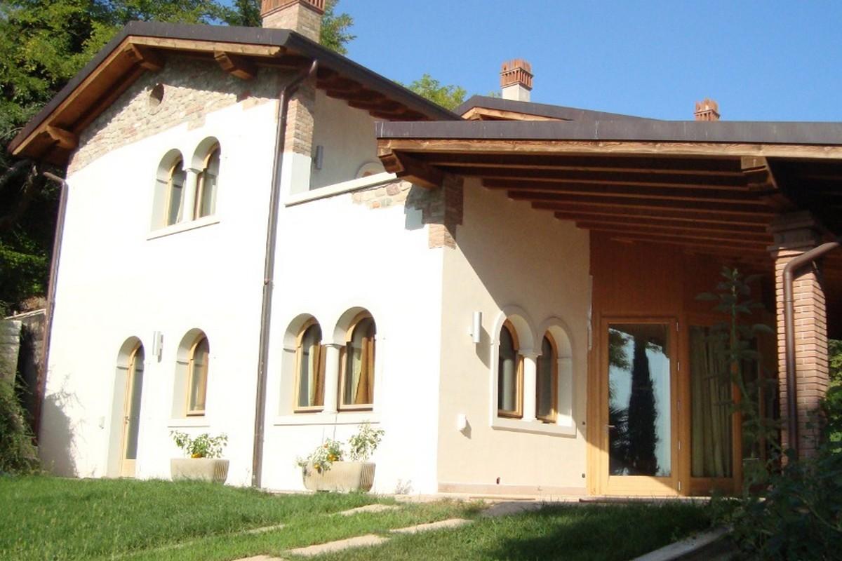 Villa Gardasee zu vermieten mit Seeblick und Hallenbad