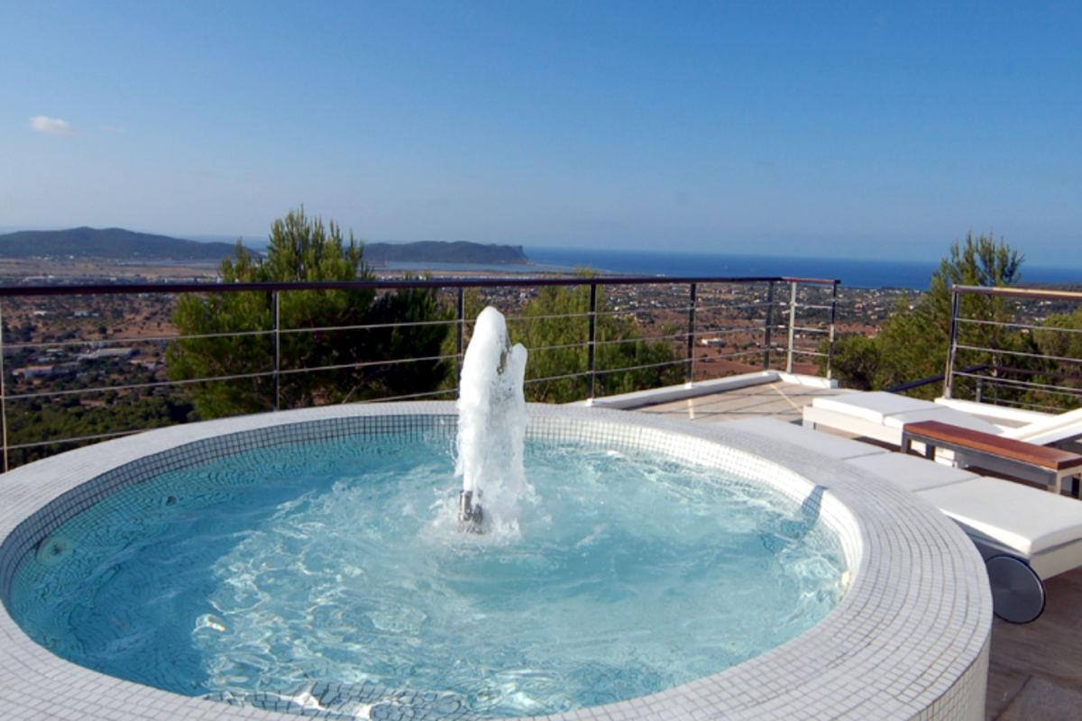 Luxusvilla Ibiza Miete mit 5-Sterne-Service
